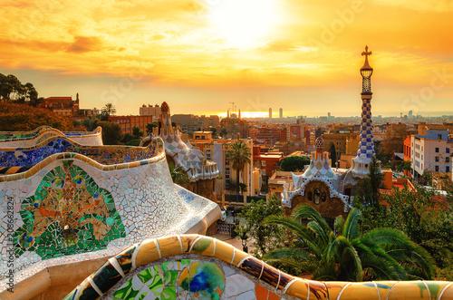 Widok na miasto z Parku Guell w Barcelonie, Hiszpania
