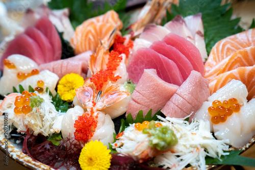 Zamknij się duży zestaw sashimi,