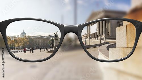 Oglądaj przez okulary ostre, bez ostrzenia okularów