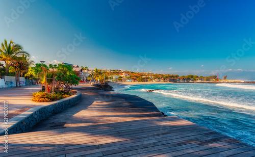 Plaża Czarnych Skał w Saint-Gilles-Les-Bains - Atrakcja turystyczna - Reunion Island
