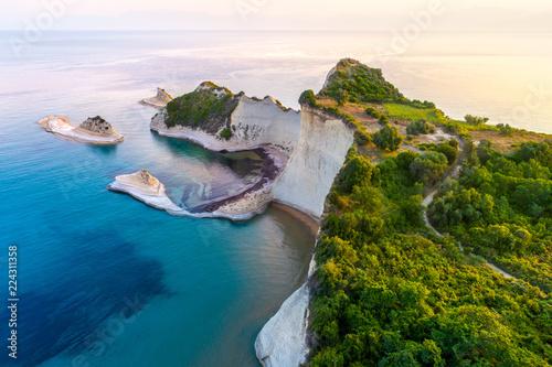 Piękny widok na Przylądek Drastis na wyspie Korfu w Grecji