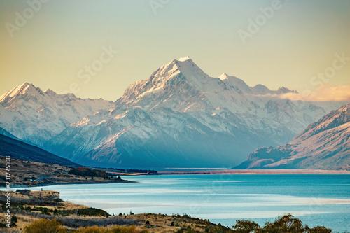 Droga do Mt Cook, najwyższej góry w Nowej Zelandii.