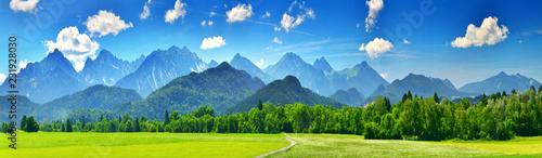Panorama gór letnich