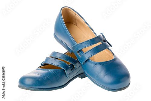 Błękitnych dzieci rzemienni buty dla dziewczyn odizolowywać na białym tle