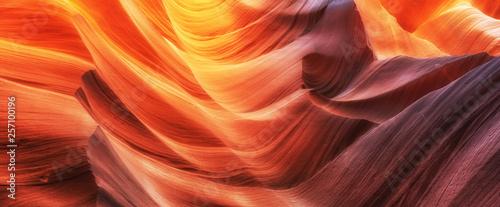 Sceniczne kolorowe fala w sławnym antylopa jarze, Arizona, usa