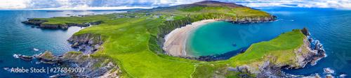 Widok z lotu ptaka piękny wybrzeże przy Malin Błaga w okręgu administracyjnym Donegal, Irlandia