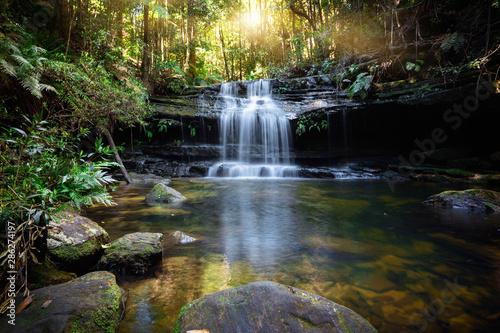 Wodospad i oaza Bushland