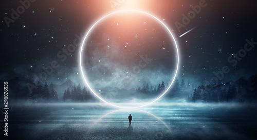 Futurystyczny nocny krajobraz. Ciemny las, rzeka, góry, odbicie nocy, światło księżyca na wodzie. Ciemny streszczenie krajobraz, światło neonowe.