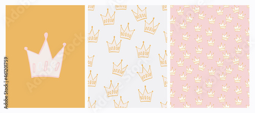Irregular Crown Seamless Pattern. Pale Green and Gray Doodle Print